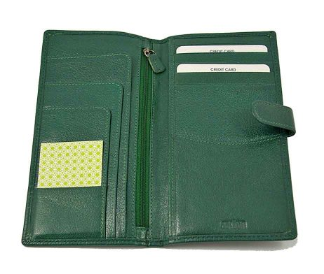 Easton Travel Wallet Emerald Leather Interior